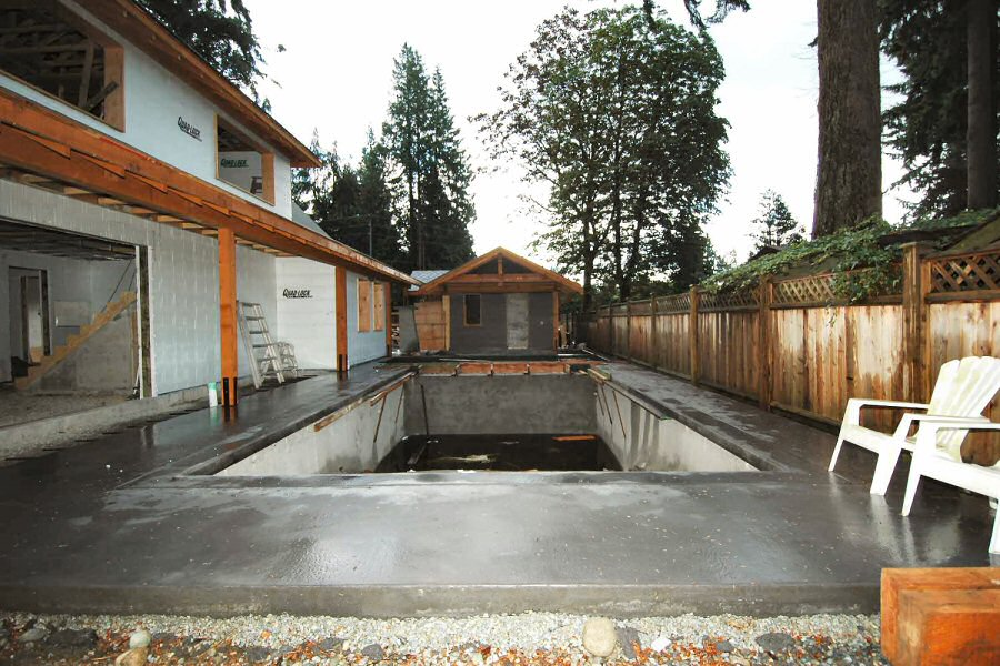 Photos of residential icf construction using quad lock for Concrete swimming pool construction