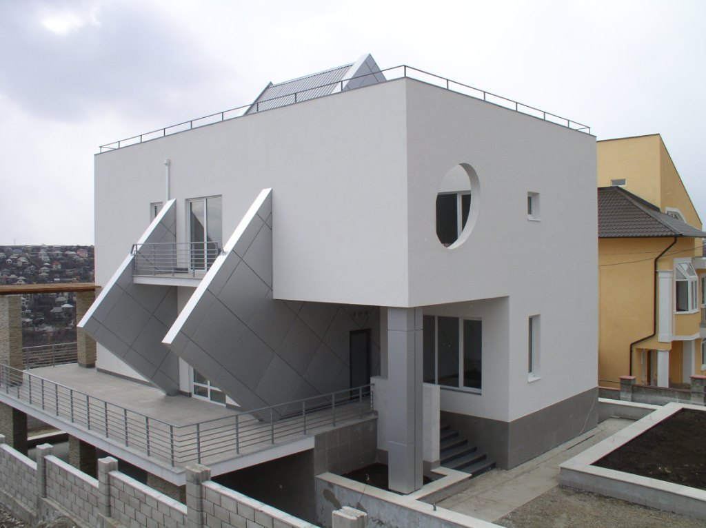 Photos of residential icf construction using quad lock for Projects of houses